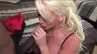 Real mom blow a big black dick on the knees