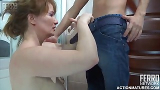 Russian mom HD sex with a hot lady